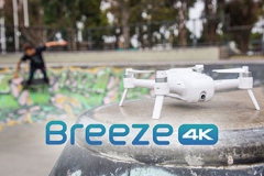 Baner drona breeze